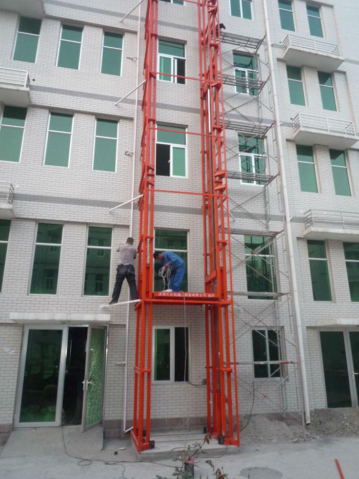 惠州导轨式升降货梯
